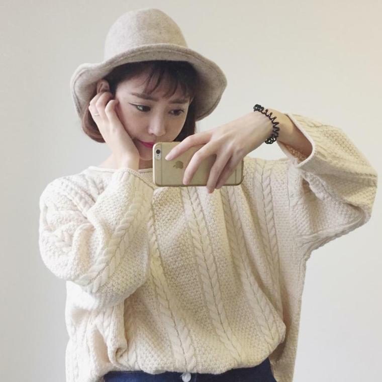 【送料無料】 女っぽシルエット♡ プルオーバー クルーネック ケーブル編み ニット サイドスリット セーター