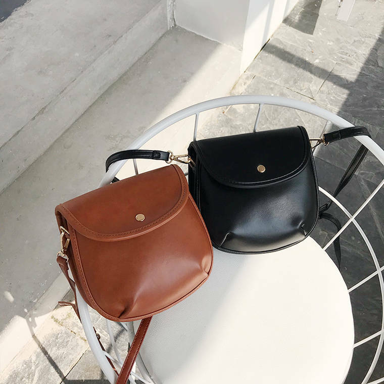 【送料無料】 コーデに合わせやすい♡ ミニサイズ ショルダーバッグ PU 斜めかけ バッグ