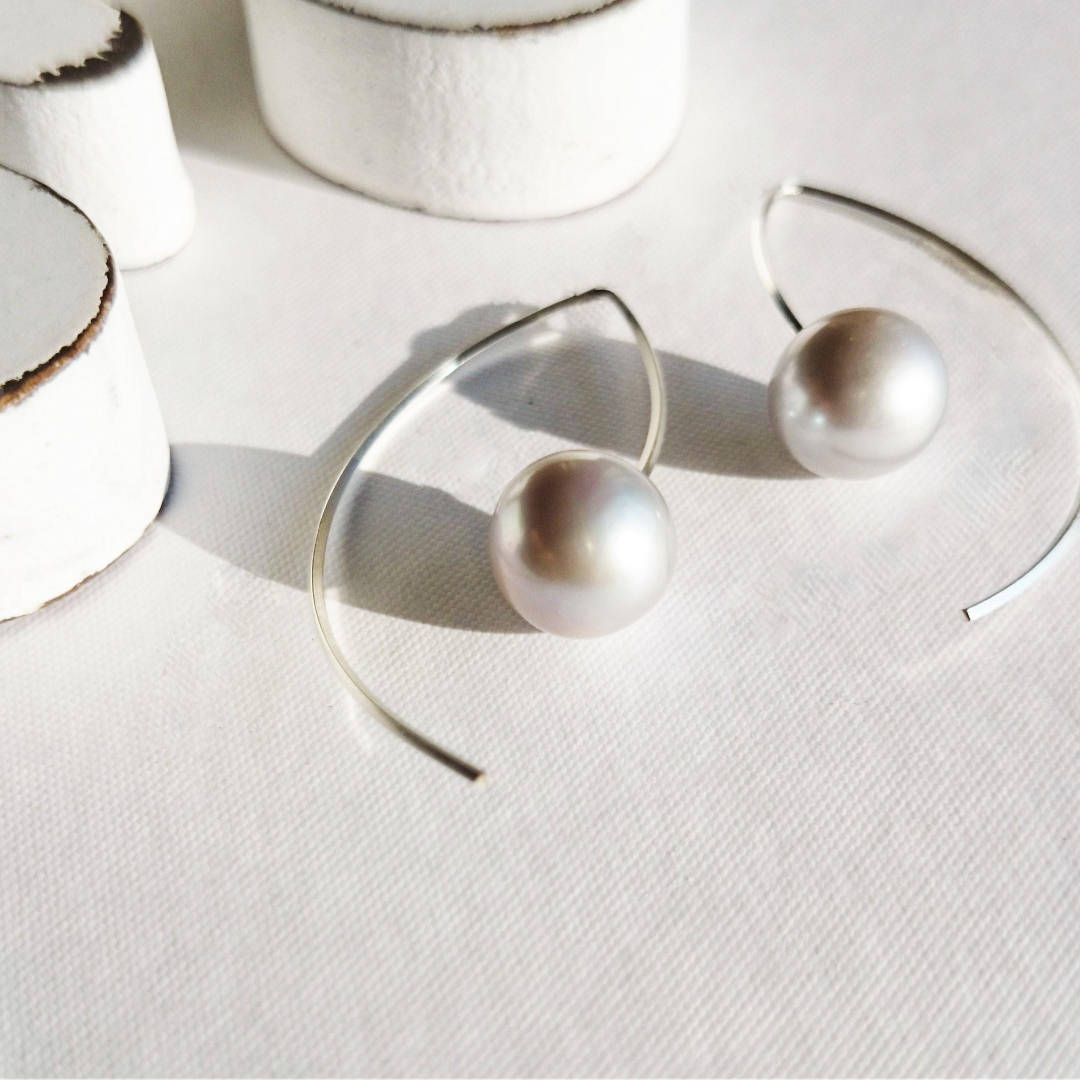 送料無料OUTLET SV*AAA big round silver pearl marquis pierced ear