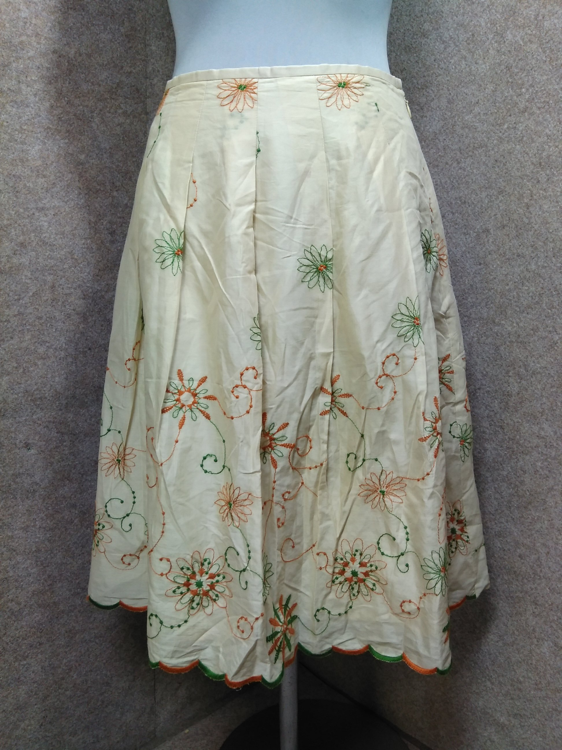 Jocomomola ホコモモラ スカート ベージュ系 40 刺繍 my743e