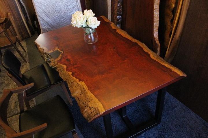 本花梨(ラオス産)玉杢 一枚板 レジンテーブル 1620×740-1000×40 18446