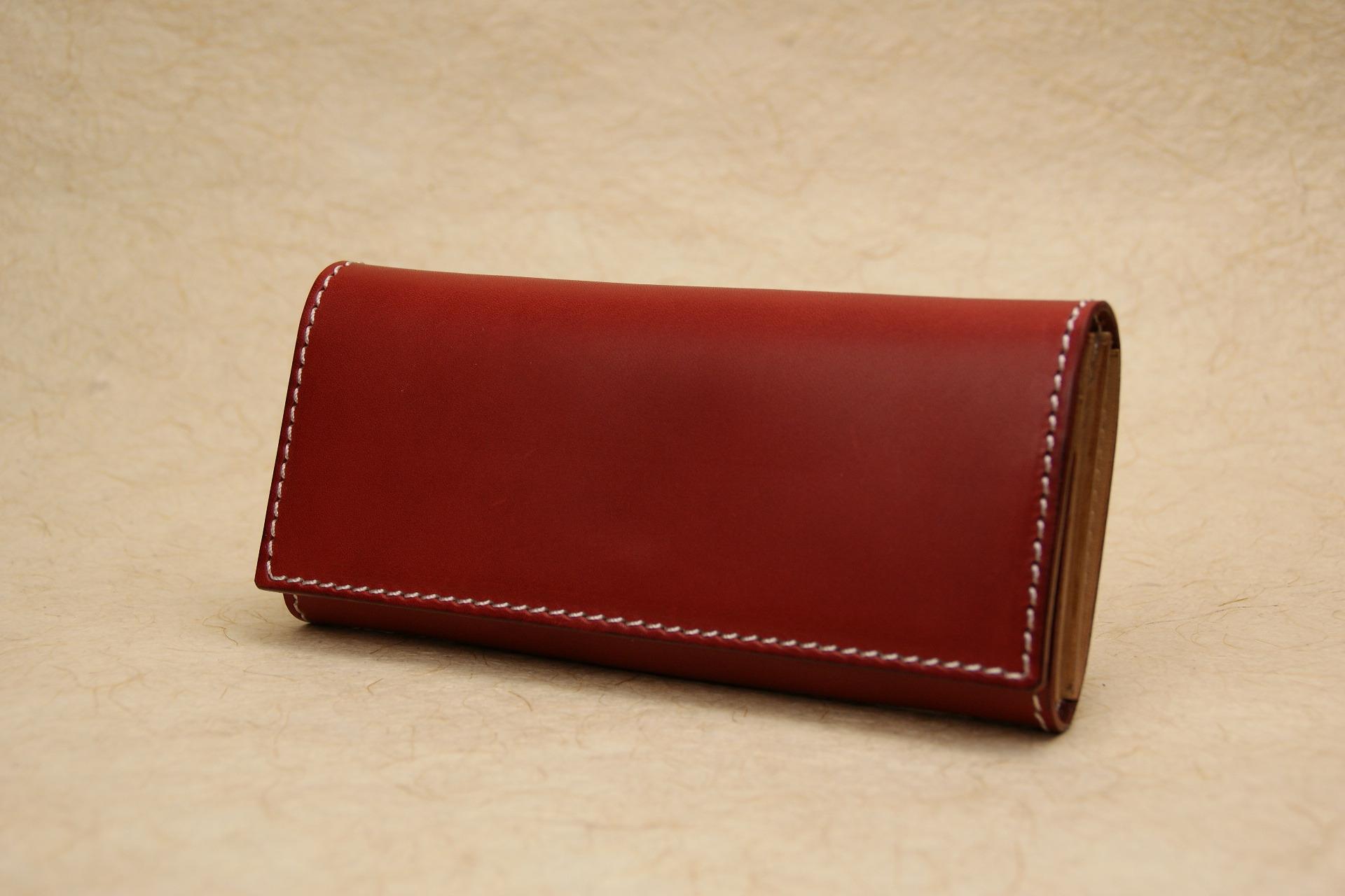 スリムな長財布 深い赤 牛ヌメ革 Leather wallet