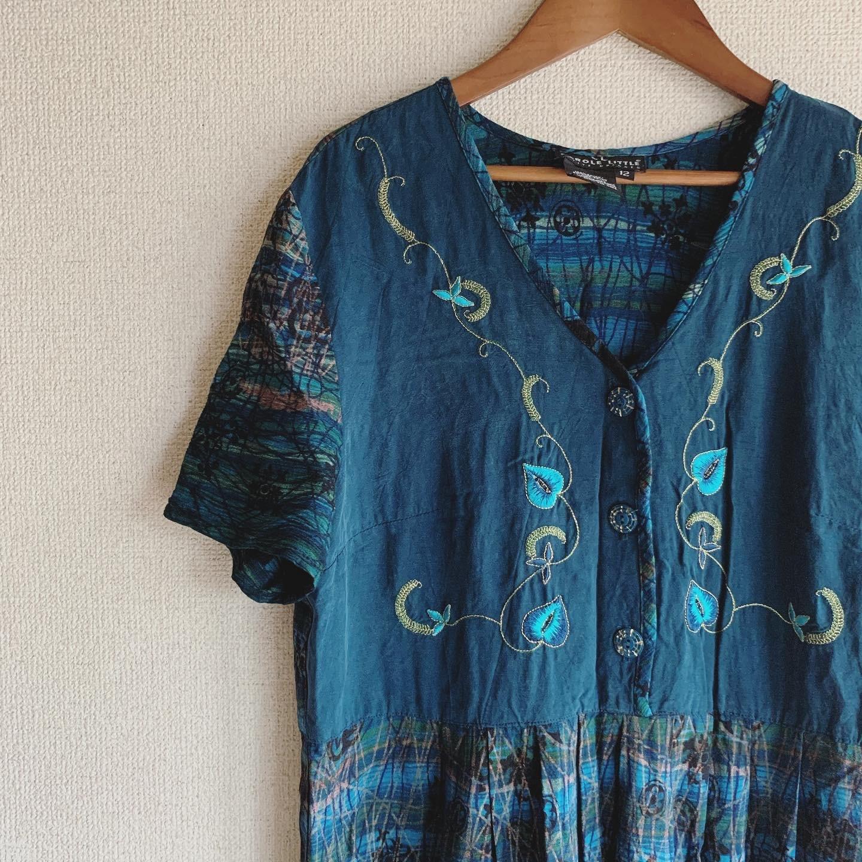 vintage USA embroidery rayon onepiece