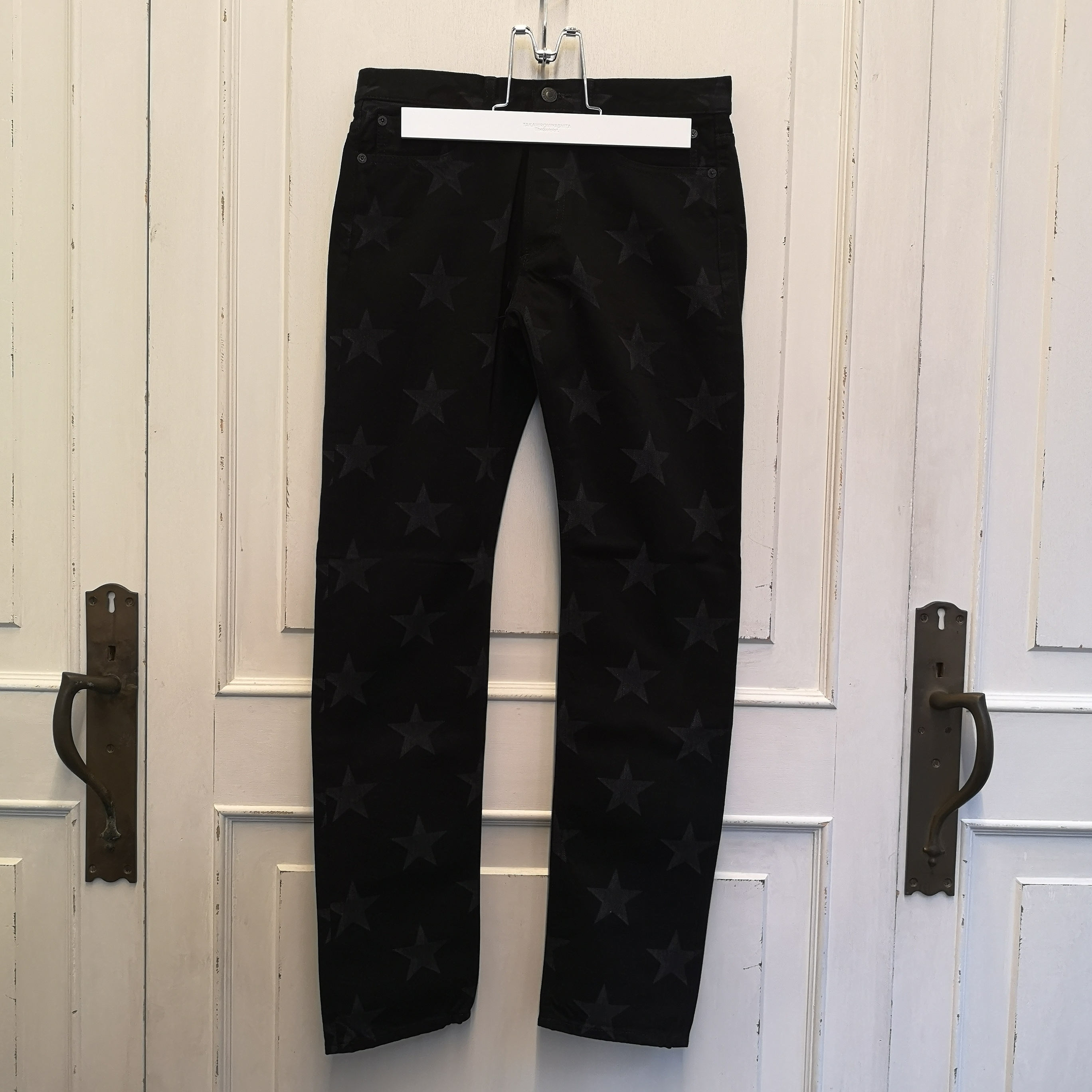 smd.0005SS20 star patterned slim straight 6 pocket jean.