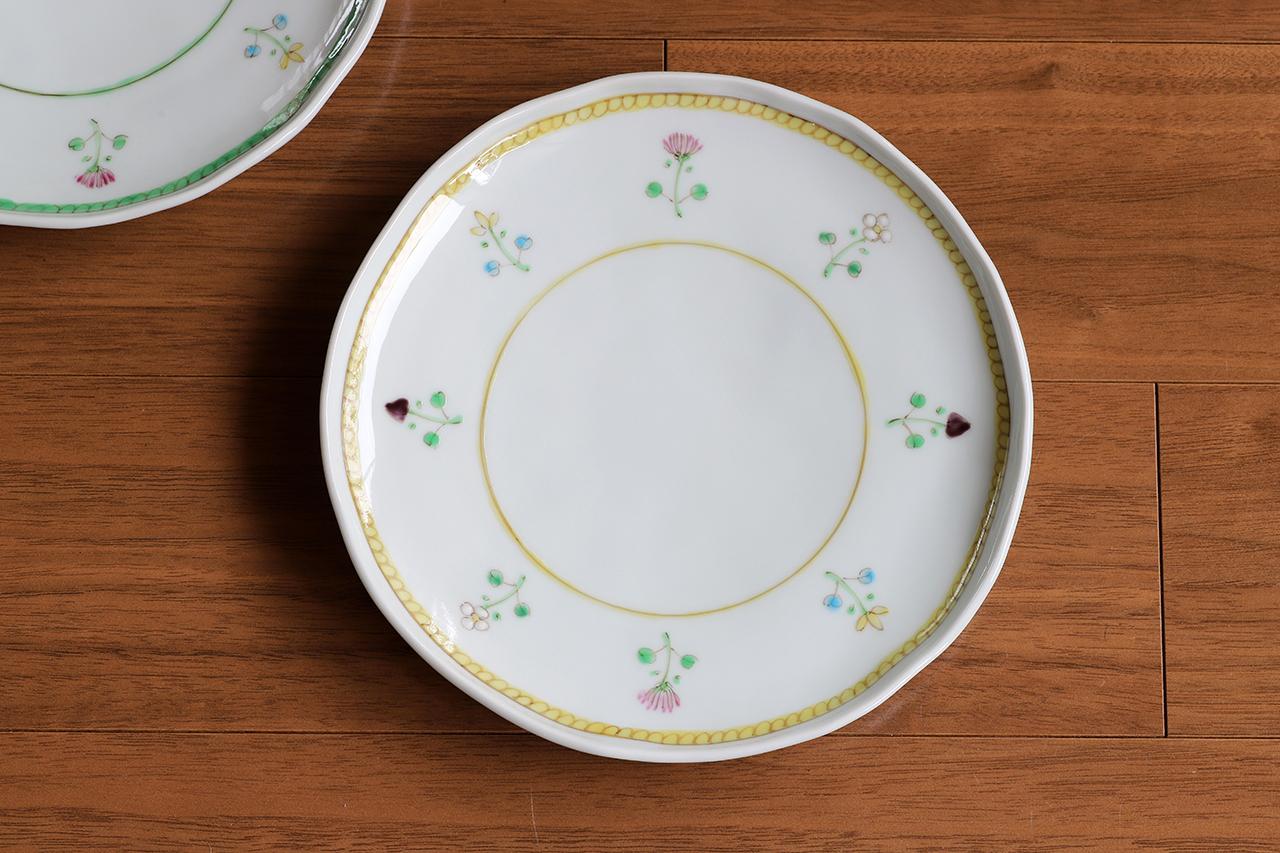 藍水 花暦(黄) 6寸皿 直径約18cmパン皿に使える大きさの器 うつわ藍水(波佐見焼)