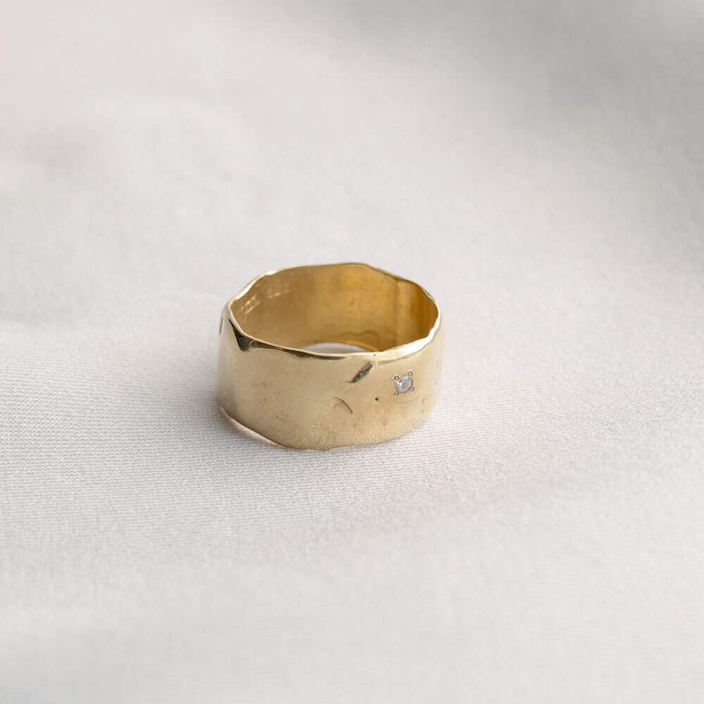 wave / wide ring (gold)