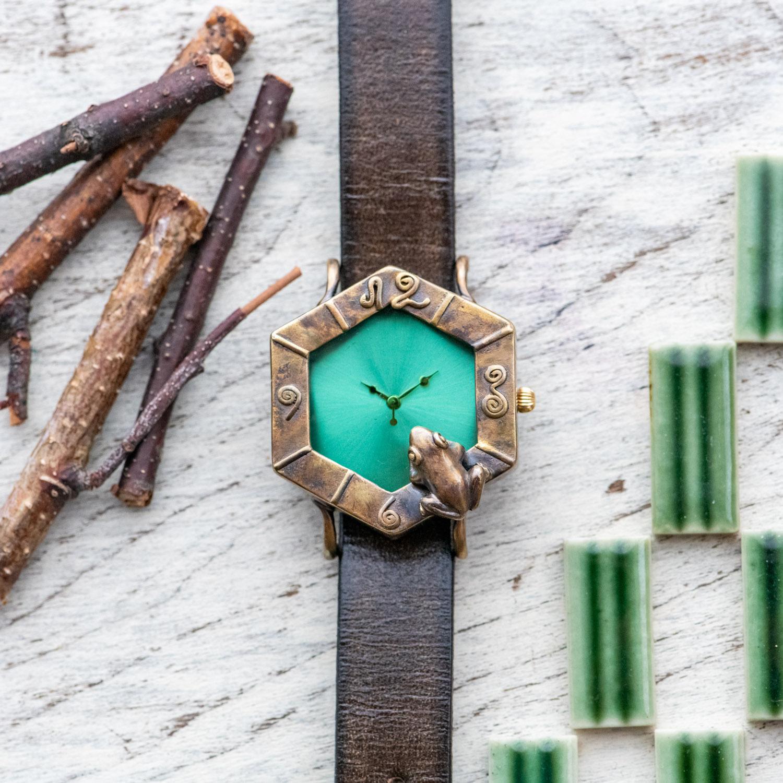 調和を願う蛙六角形腕時計M若草