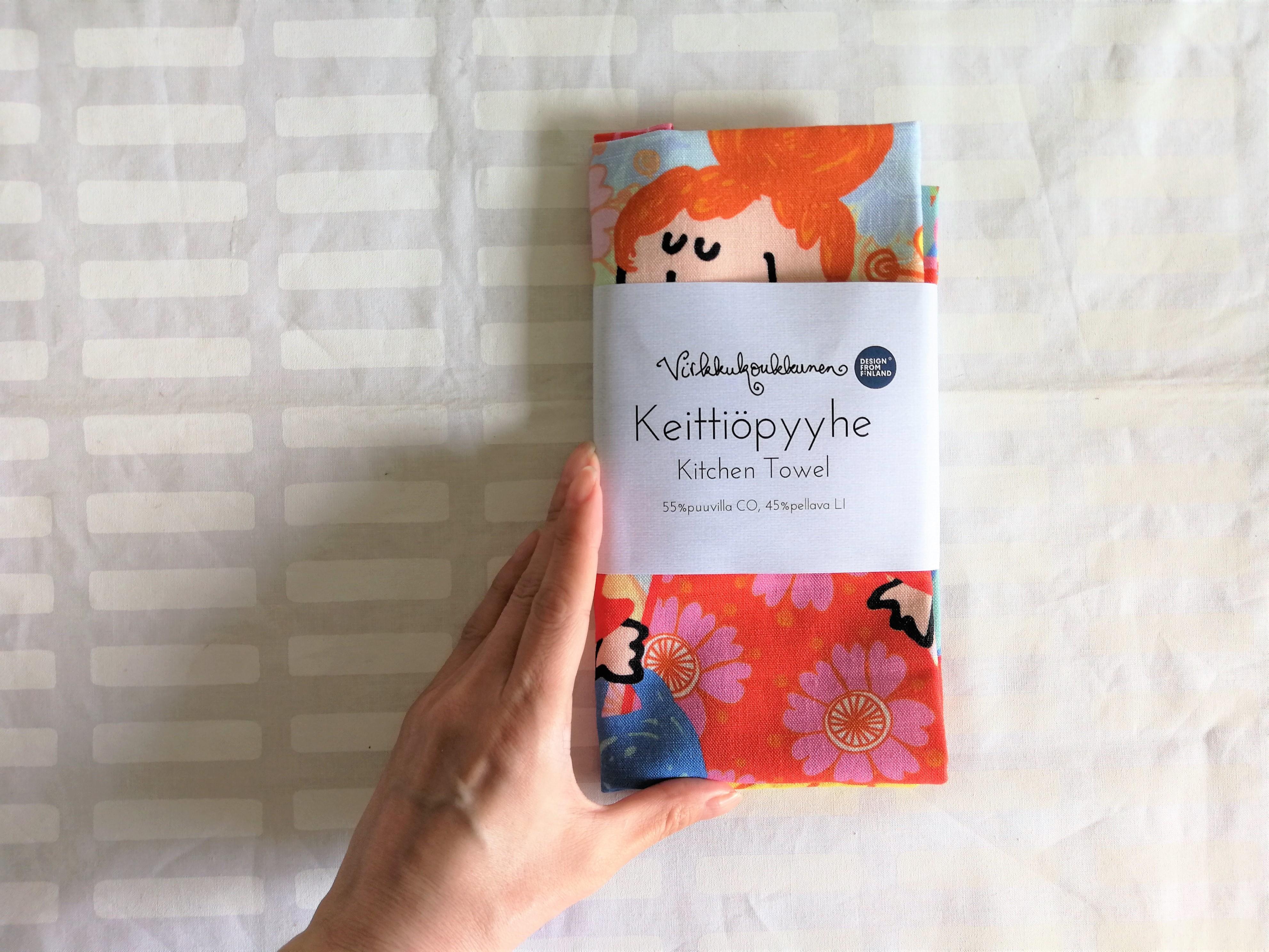 ハッピーなお花と女の子 / ティータオル/ Virkkukoukkunen ヴィルクコックネン / フィンランド