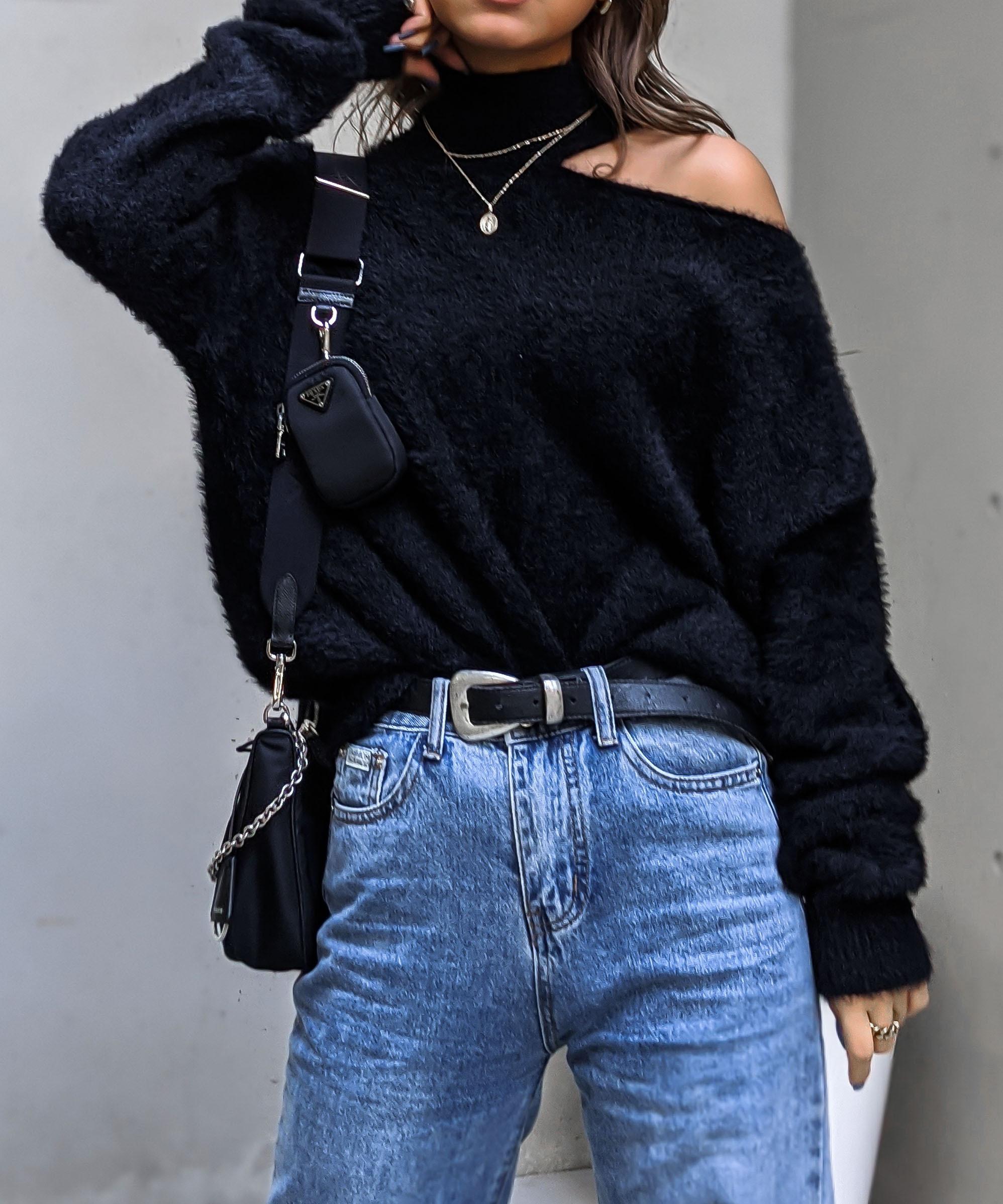 Slit neck feather knit