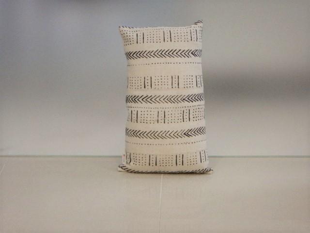 品番UC-008 Cushion [small / African White mud cloth] 011