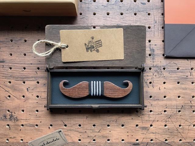木製 蝶ネクタイ #Cool Mustache - 画像1