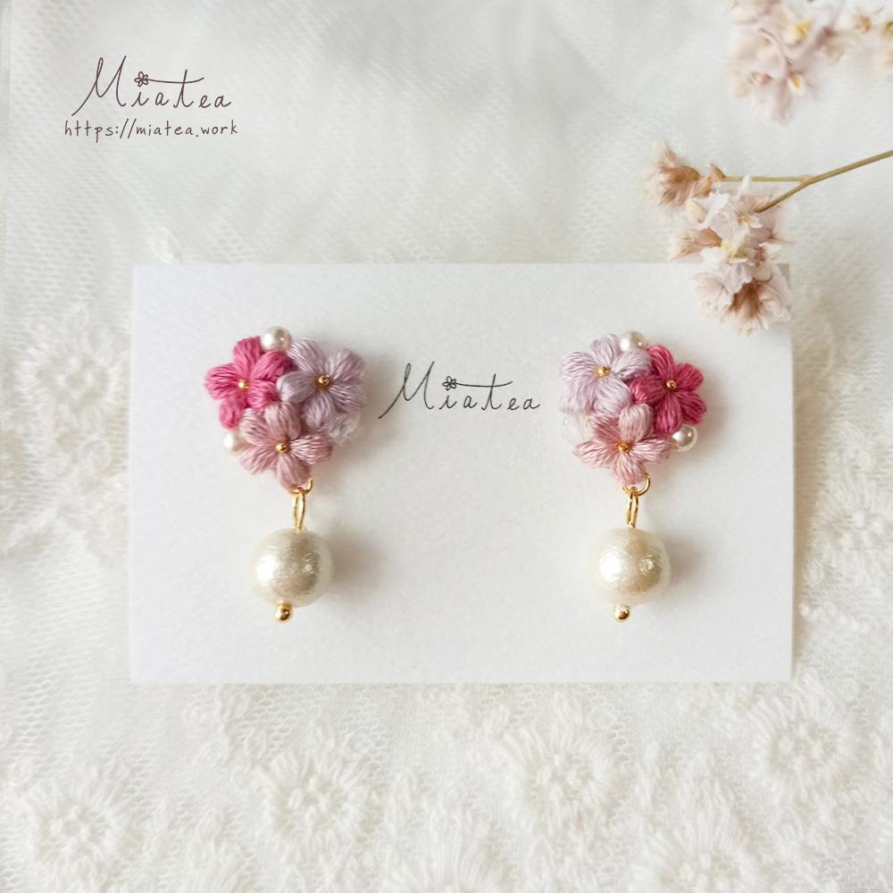 三つ花のブーケ「春風」*刺繍糸のお花ピアス/イヤリング
