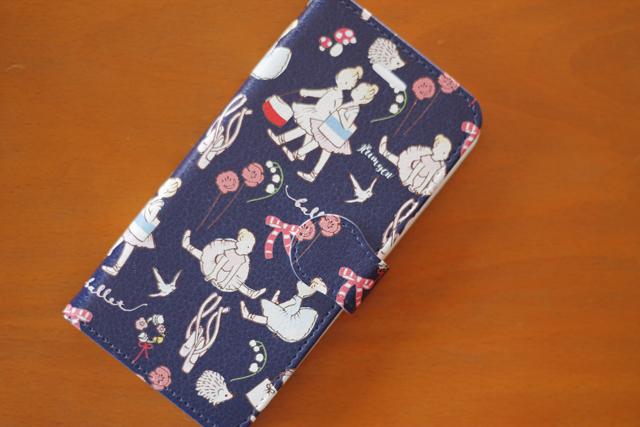 バレリーナ柄手帳型スマホケース iPhone8サイズ