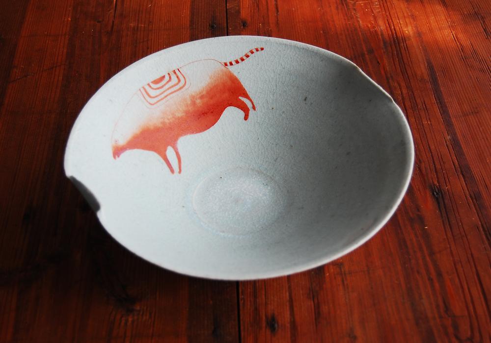 亥・赤絵青瓷鉢 Iron Red Overglazed Blue Bowl