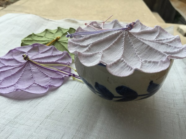 モシのカップカバー(若草色・薄紫・白)