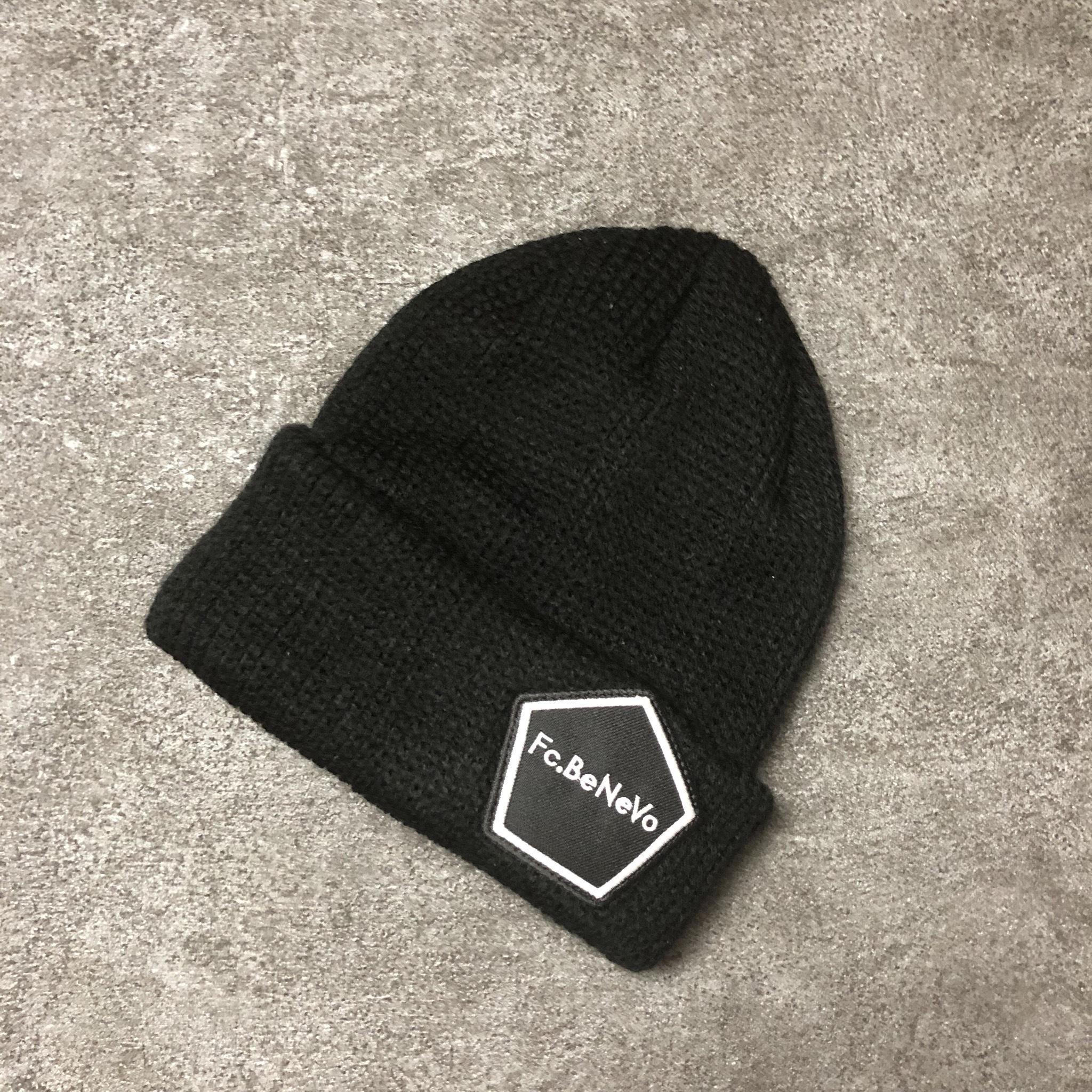 PENTAGON EMBLEM KNIT CAP (BLACK)