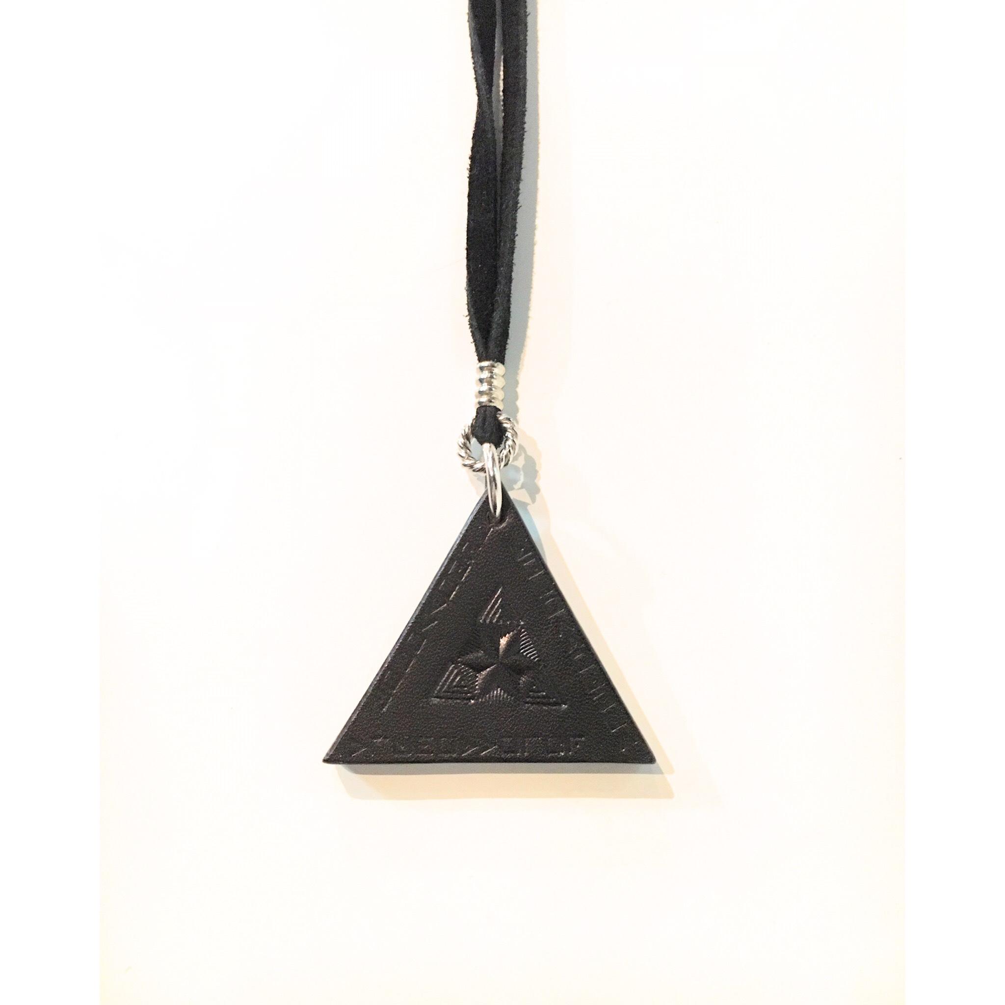 nahezu gleich / Dreieck Necklace (blk) - 画像1