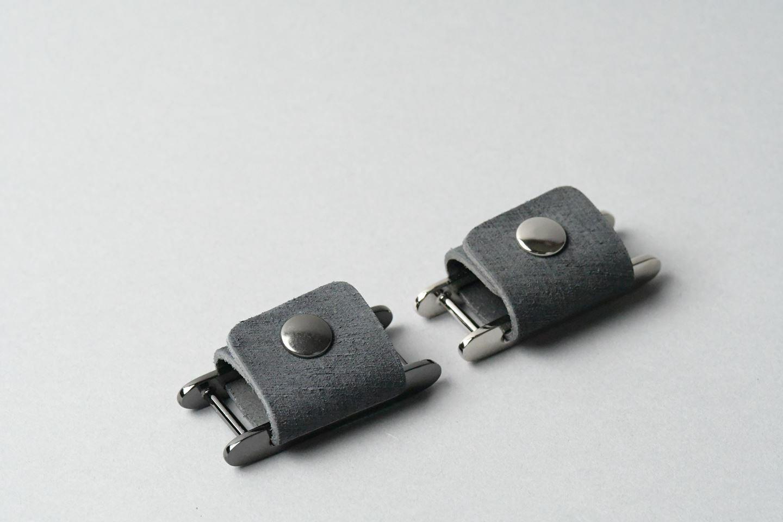 コードホルダー □ブラック・黒メタル□ イタリアンレザー earphone code holder - 画像3