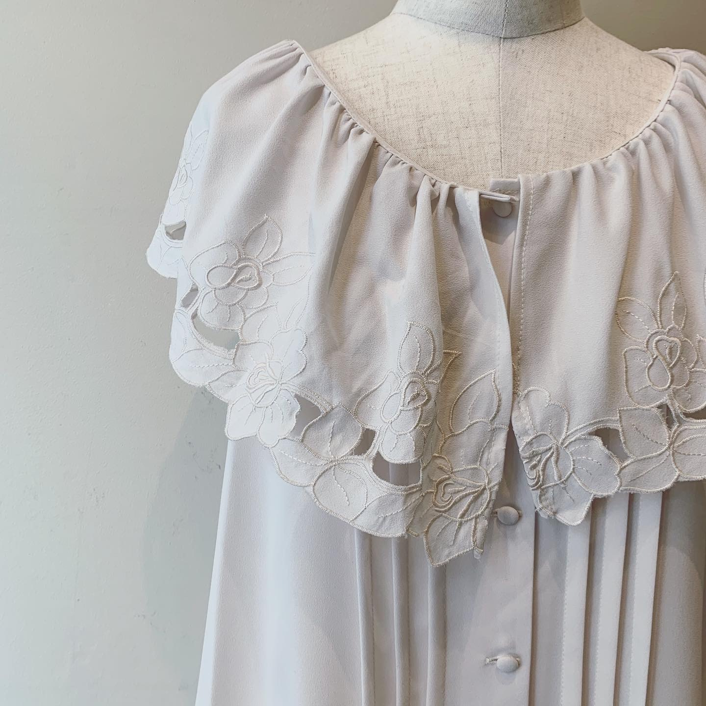 vintage big lace collar nosleeve tops
