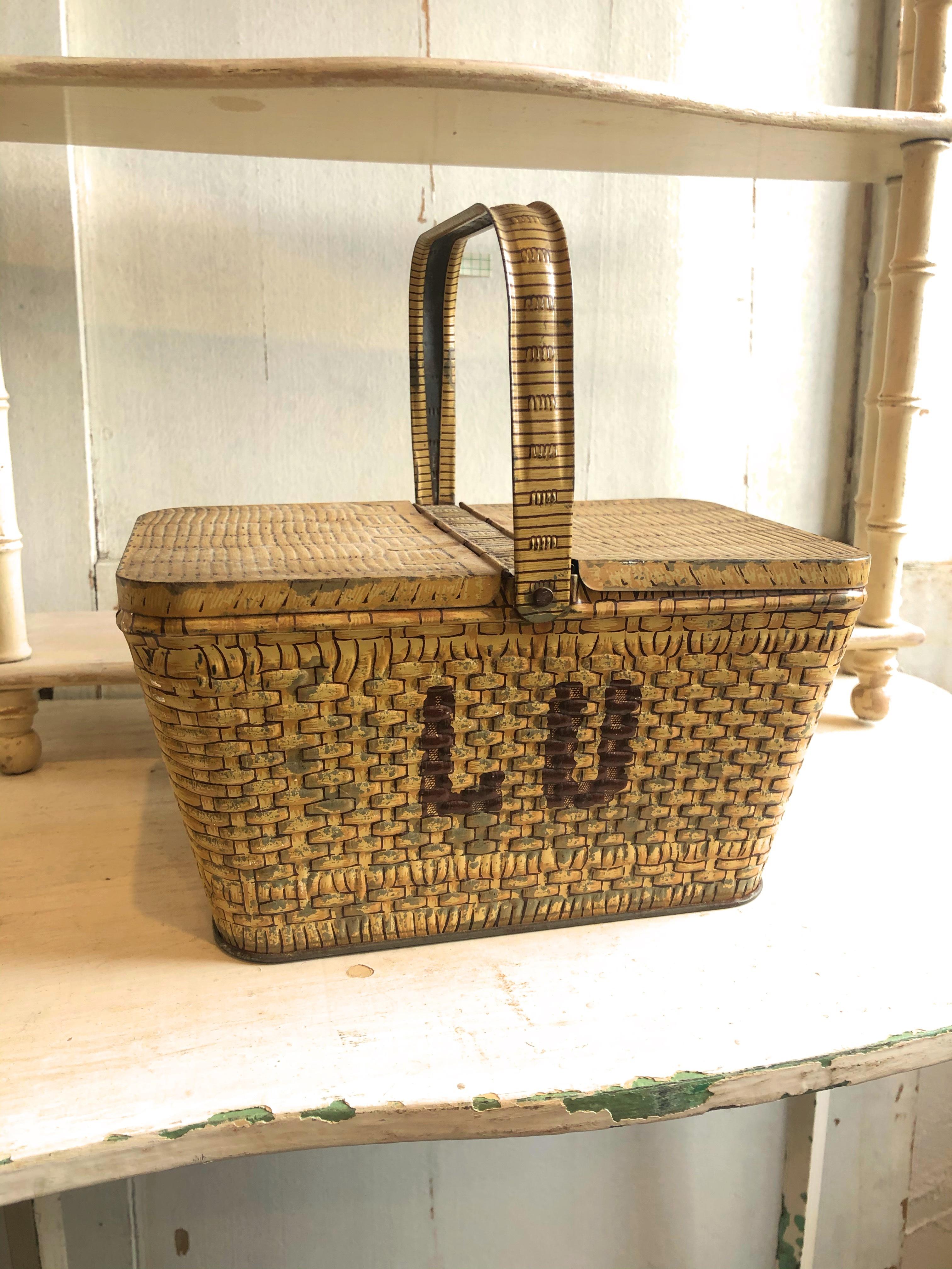 フランス LUバスケット缶