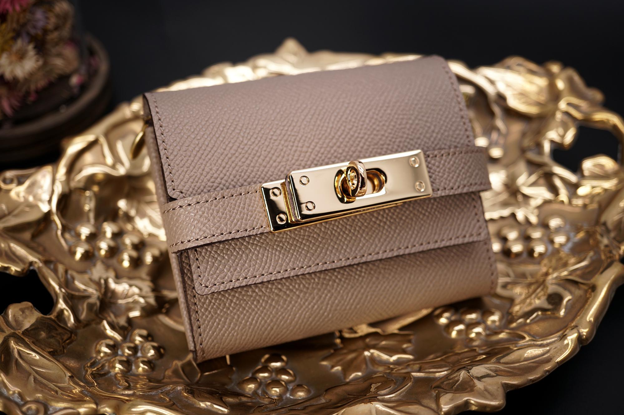 身軽にキメたい時のコンパクト財布|K式/パーティーレザー・グレージュ(本革製)