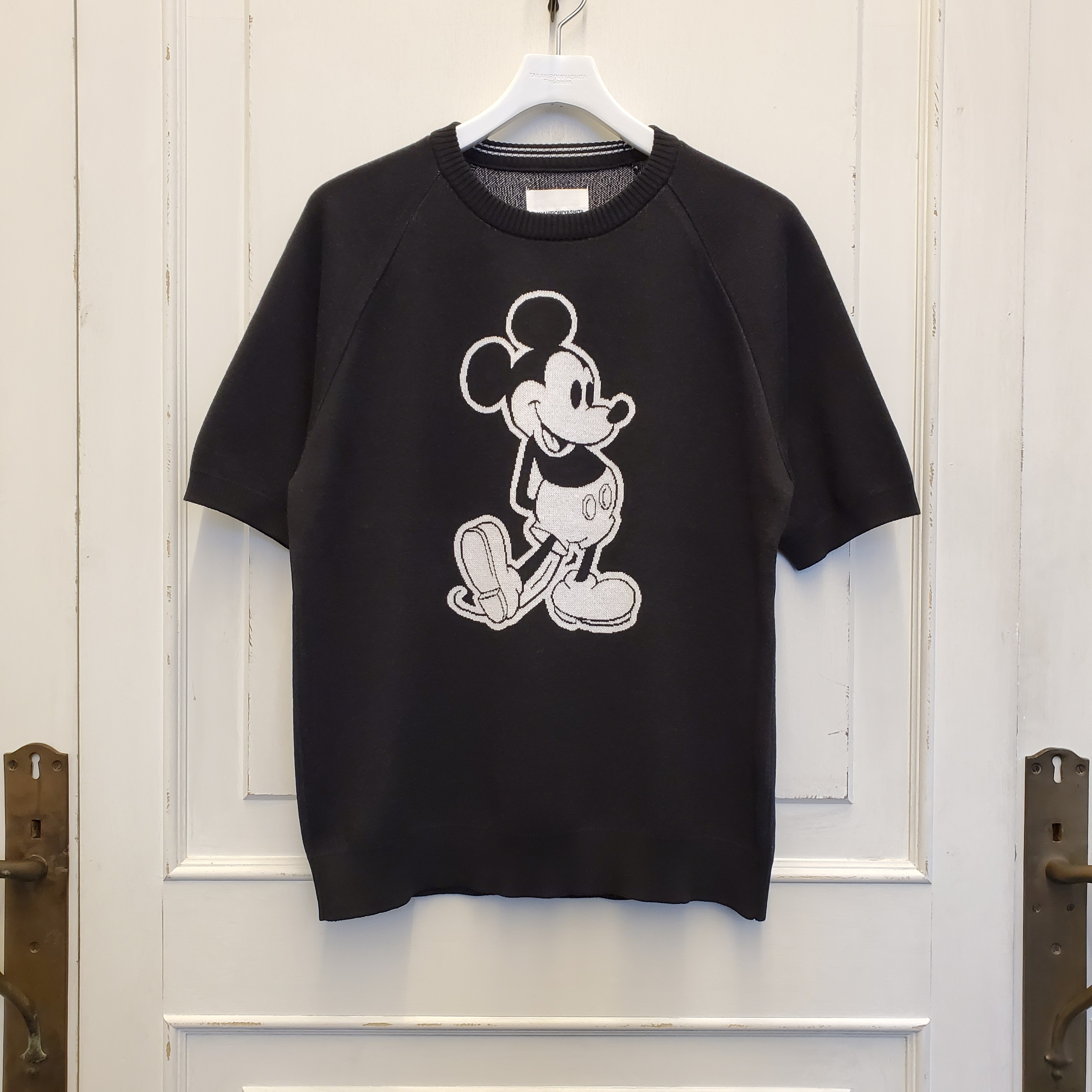 sk.0011bSS20 Mickey Mouse s/s sweater. (monotone color Mickey Mouse)