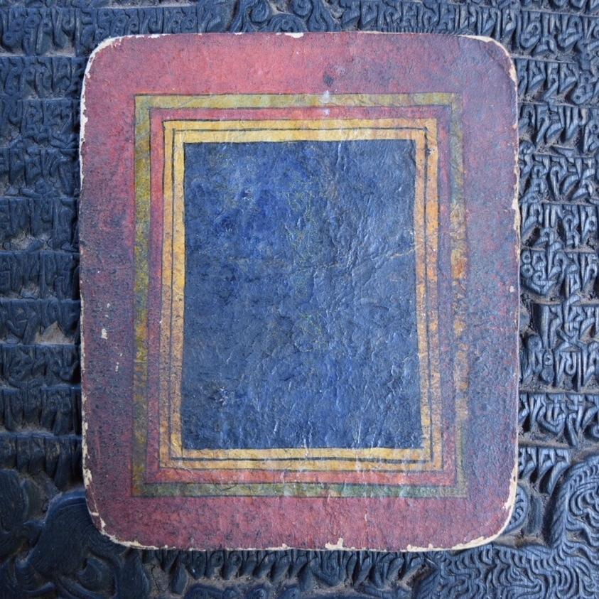 チベット仏教小型細密画ツァカリ ミニマル窓図柄