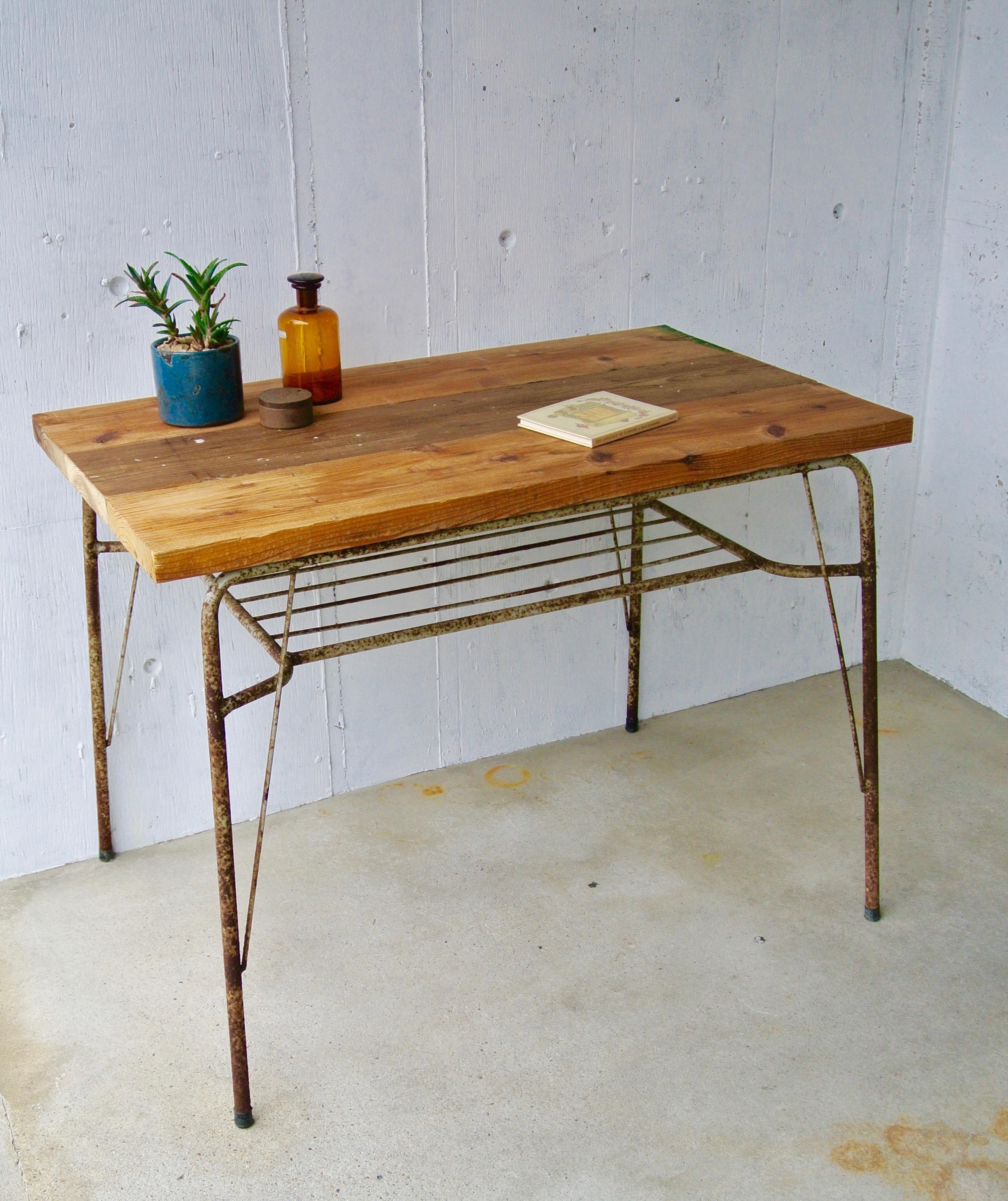 古材板×グレーサビ脚のテーブル[オリジナルリメイク]