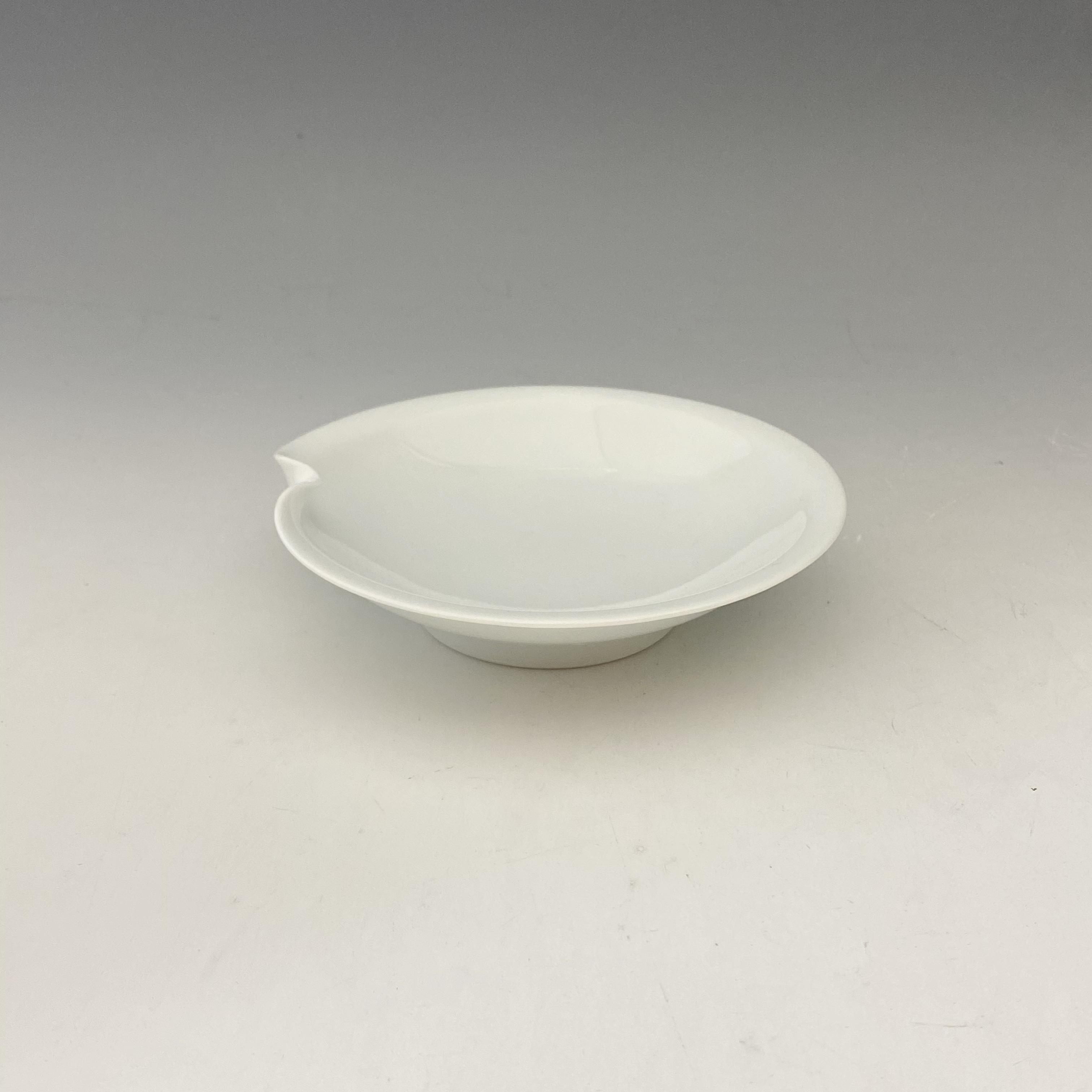 【中尾恭純】白磁一方押小皿