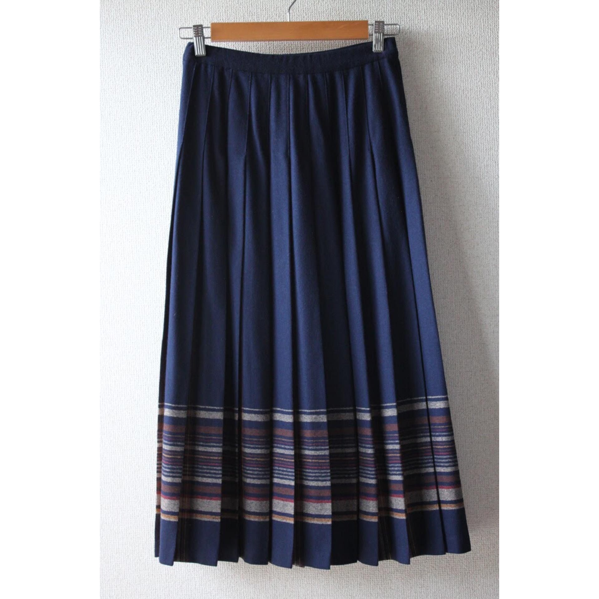 Vintage wool pleated skirt by PNDLETON