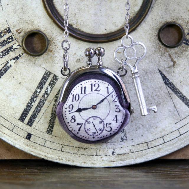 【受注製作】時計がま口ミニ 鍵のネックレス アラビア数字銀時計 - 金星灯百貨店