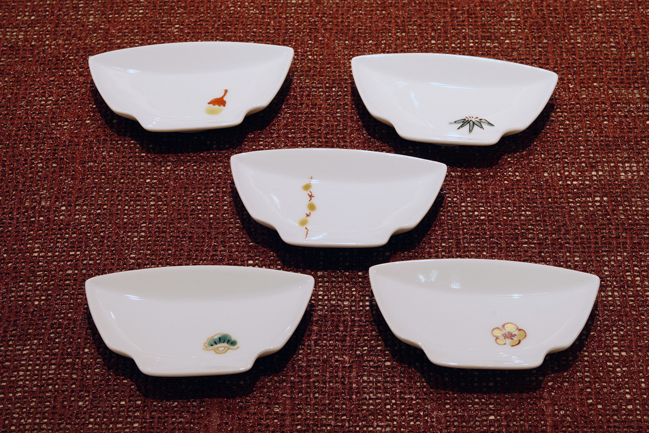 碗型小皿 ワンポイント柄 5種 作・福珠窯(有田焼)