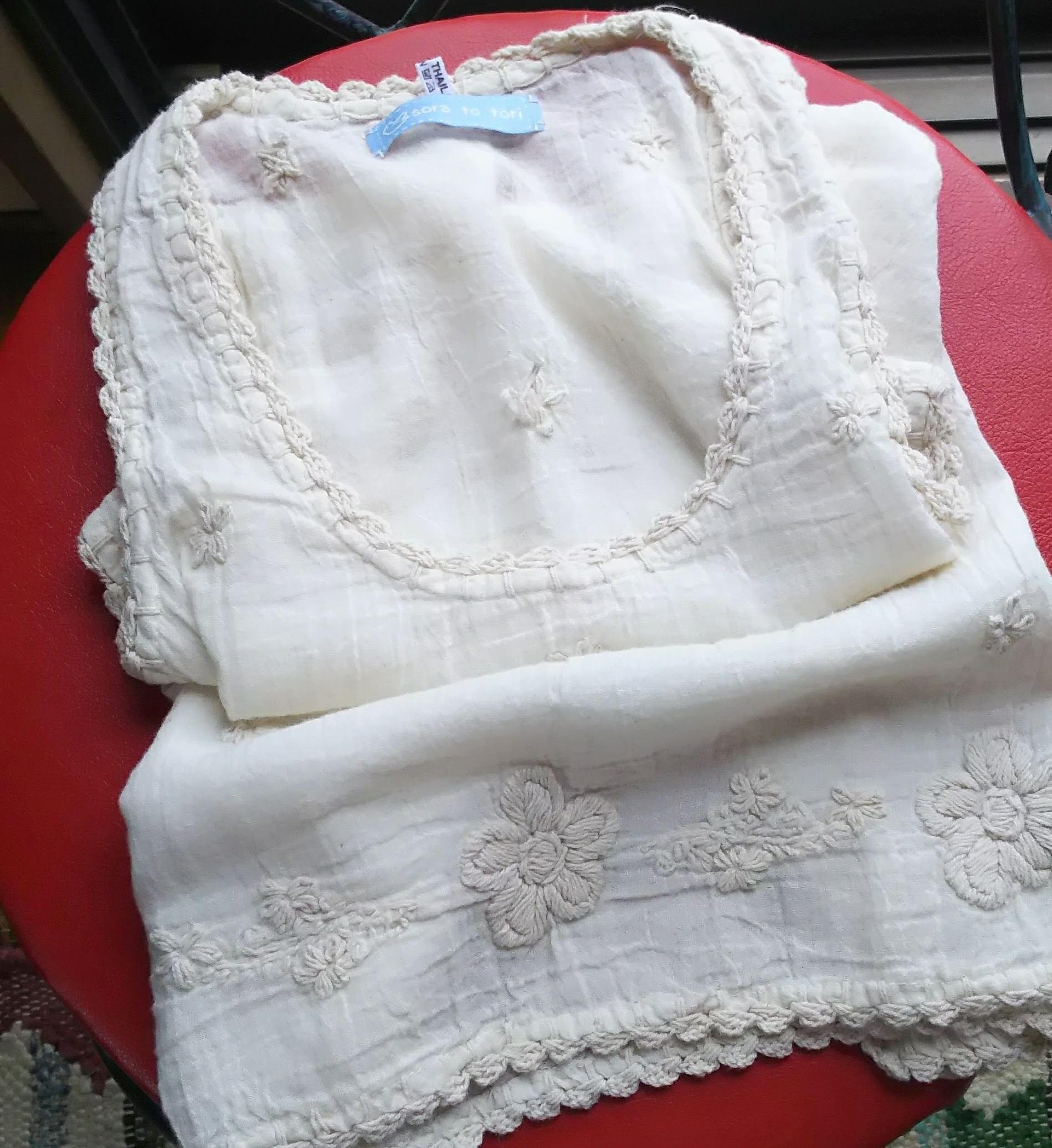 チェンマイ 刺繍生成りコットンキャミソール
