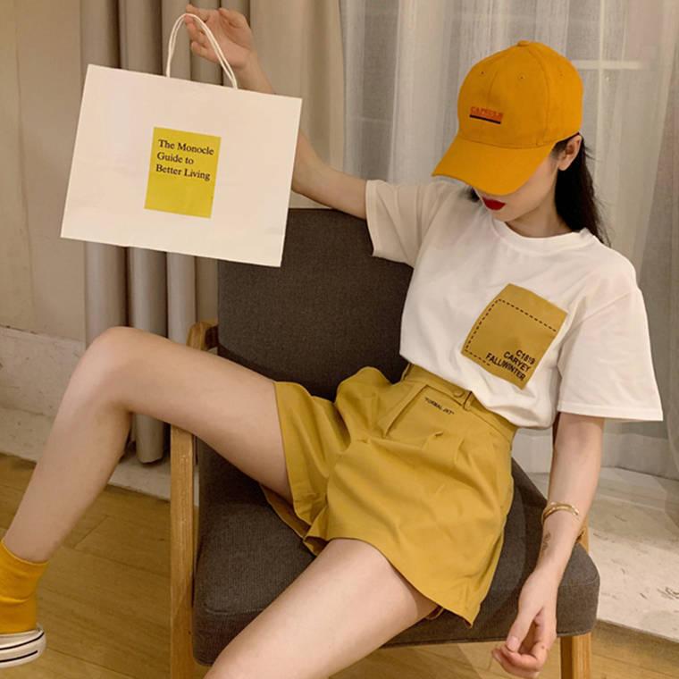 【送料無料】ワントーンコーデ ♡ 2点セット セットアップ カジュアル 大人可愛い ロゴ Tシャツ × ハイウエスト ショート パンツ