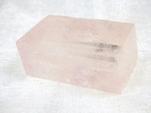 ピンクオプティカルカルサイト