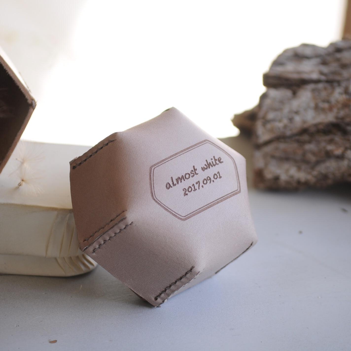 オリジナルボックス | 革の六角形ボックス