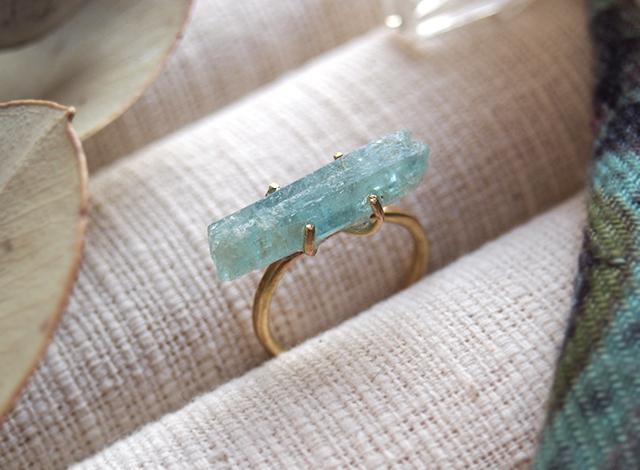 [一点物]原石のアクアマリンのリング