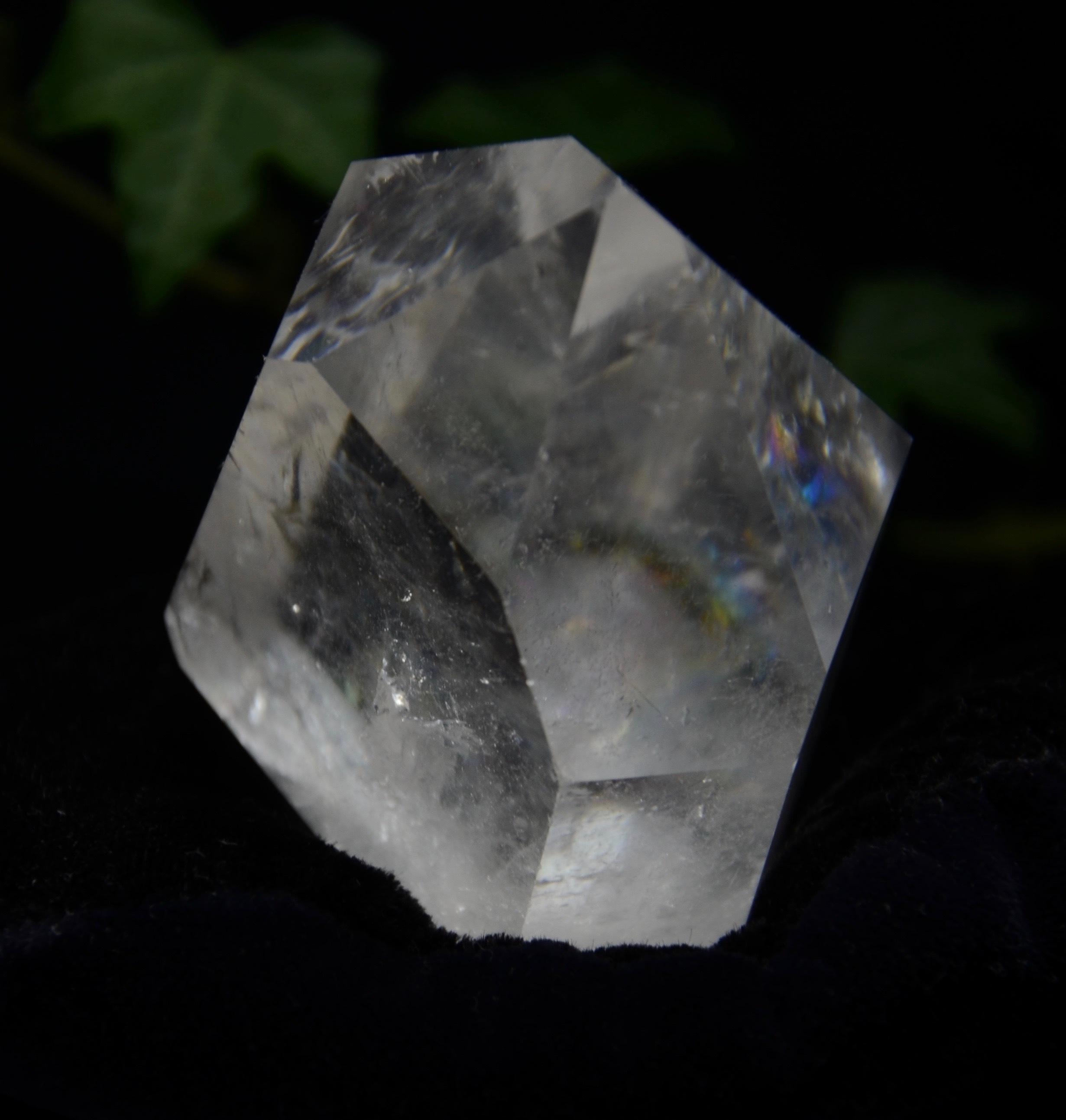 CASAクリスタルポイント チャネリング水晶 レインボウ 189g a0069
