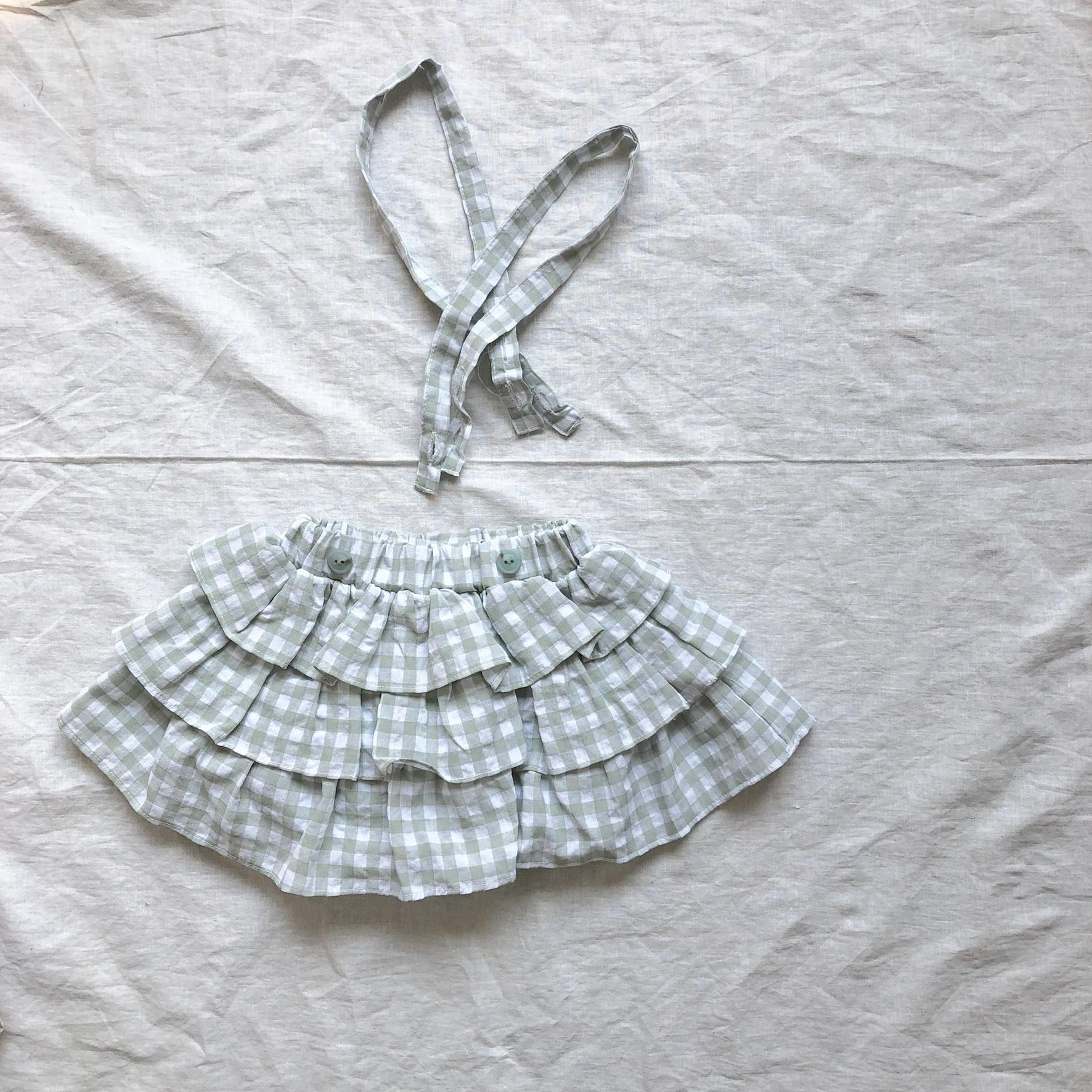 《 160 》Non salopette skirt