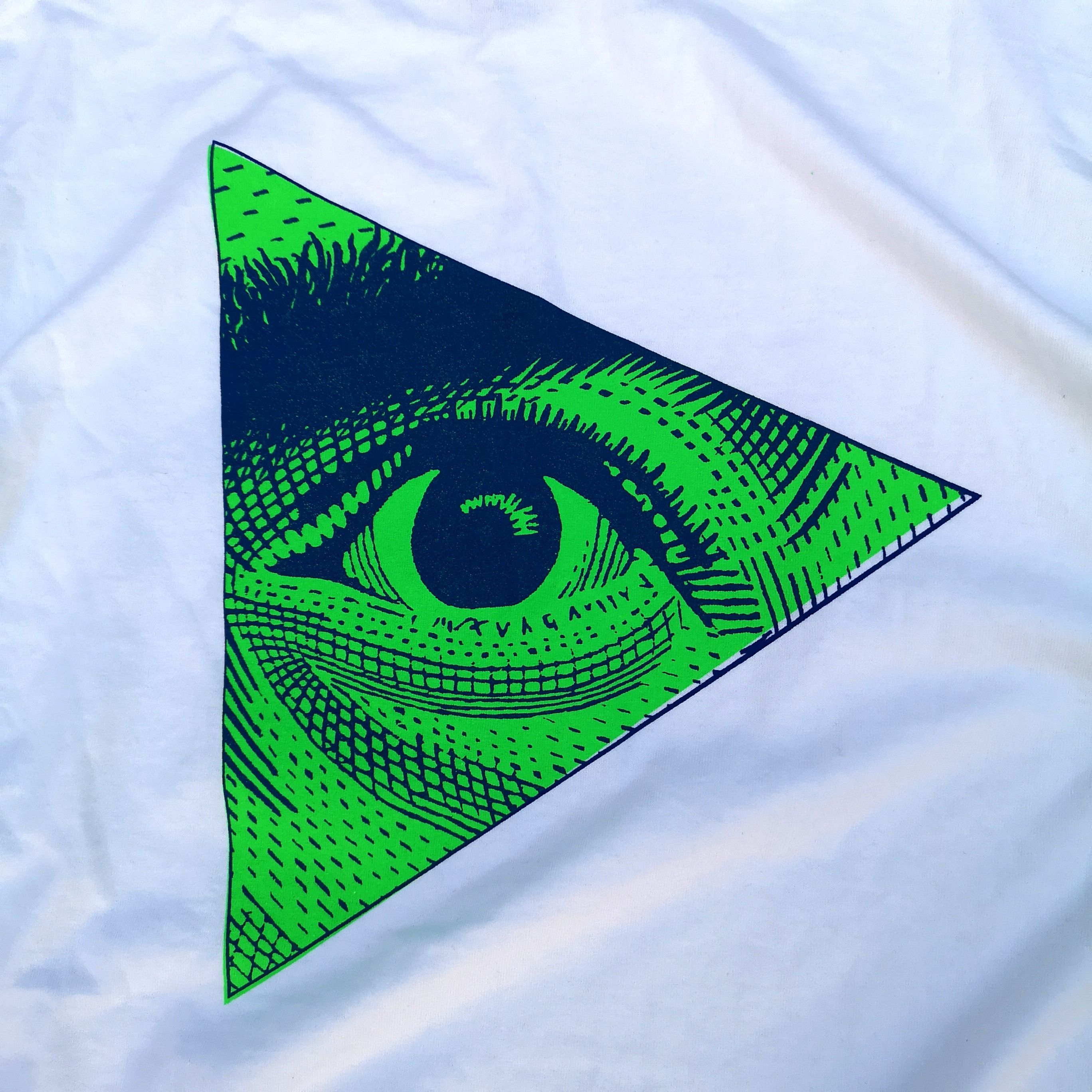 * LENNON EYE TEE POP COLOR L