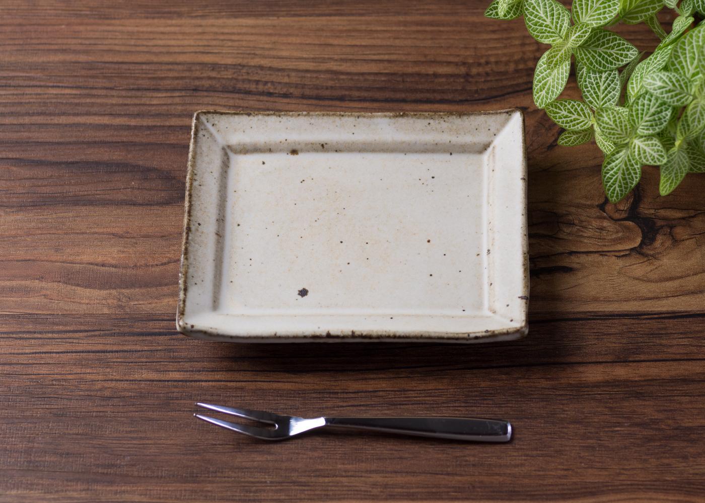 粉引 角小皿 4/くるり窯