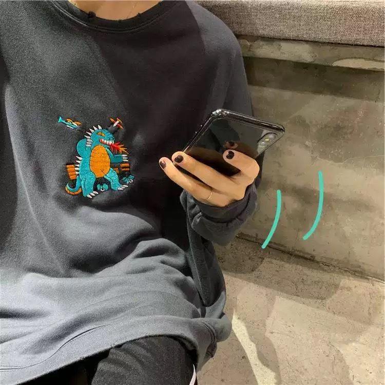【ラスト1点】monster embroidery sweat
