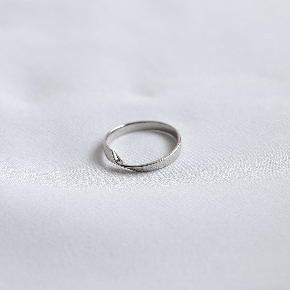 FOLDING METAL / pinky ring - white gold