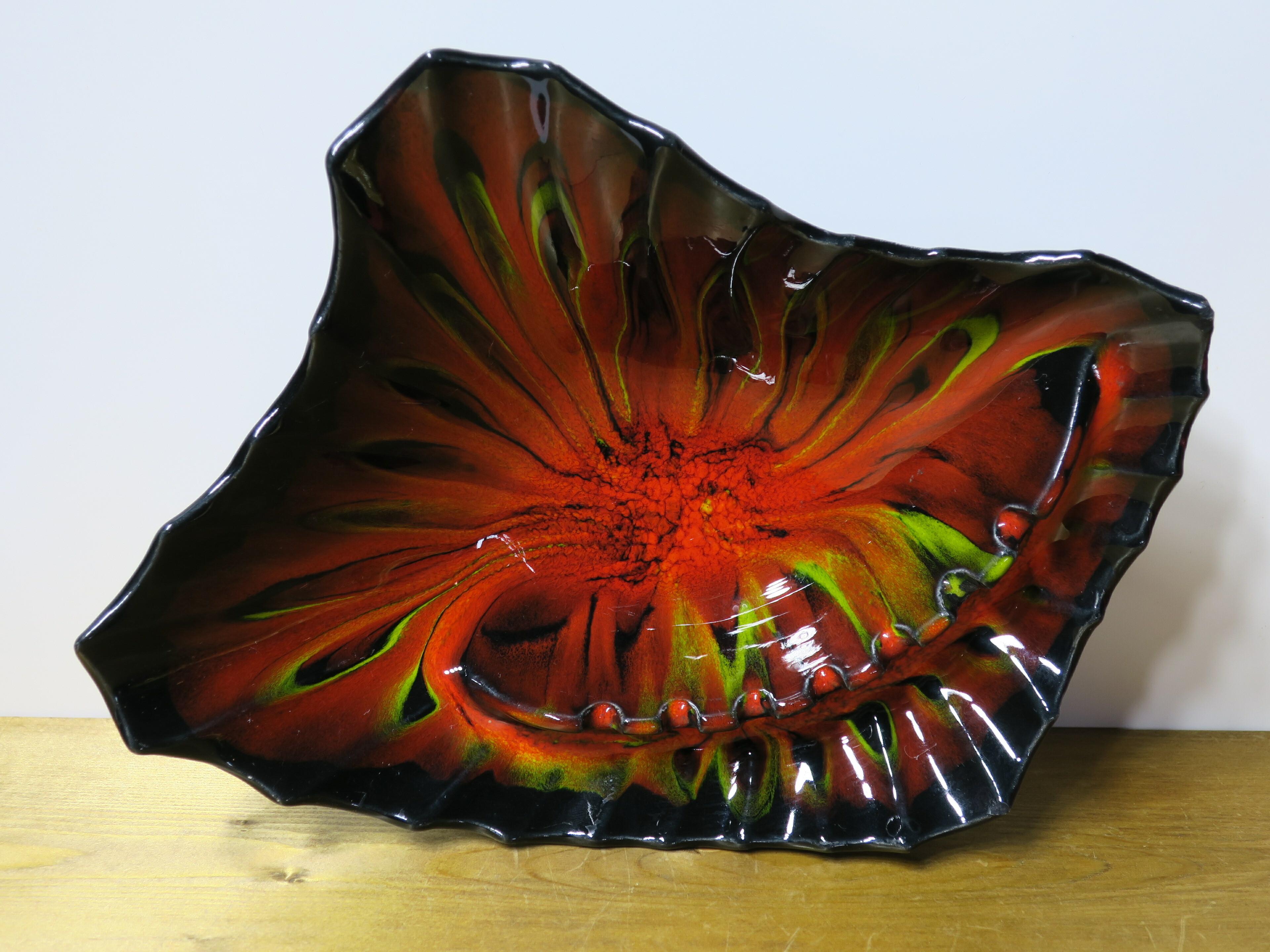 ヴィンテージU.S.A アッシュトレイ/灰皿(陶器製) 赤/黒