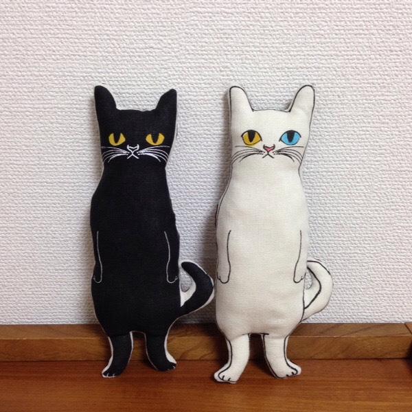 <受注制作>シッポのあるネコ ヌイグルミ 白猫or黒猫
