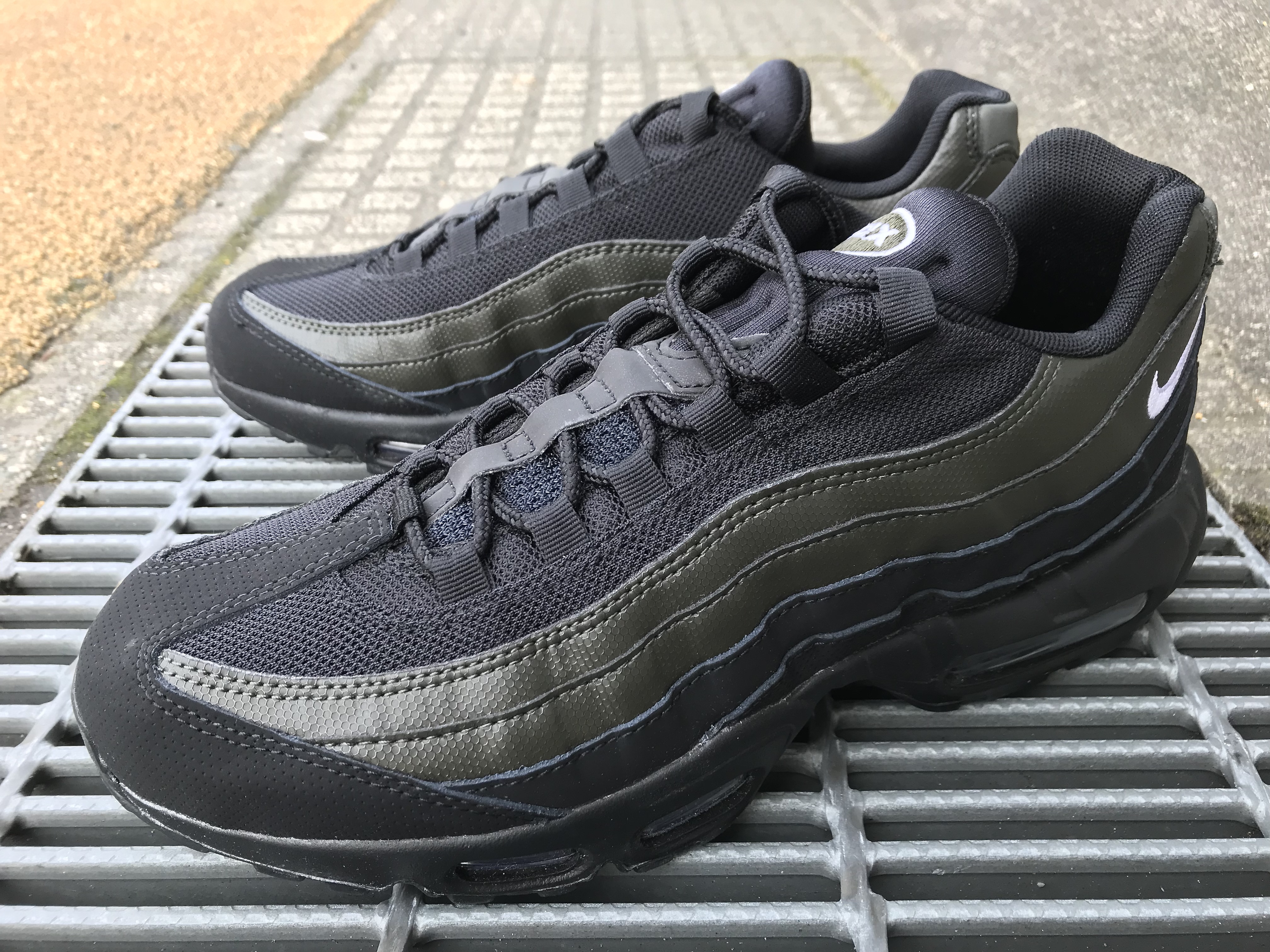 online store f0f49 57e03 NIKE AIR MAX 95 ESSENTIAL (BLACK/WHITE-SEQUOIA) |