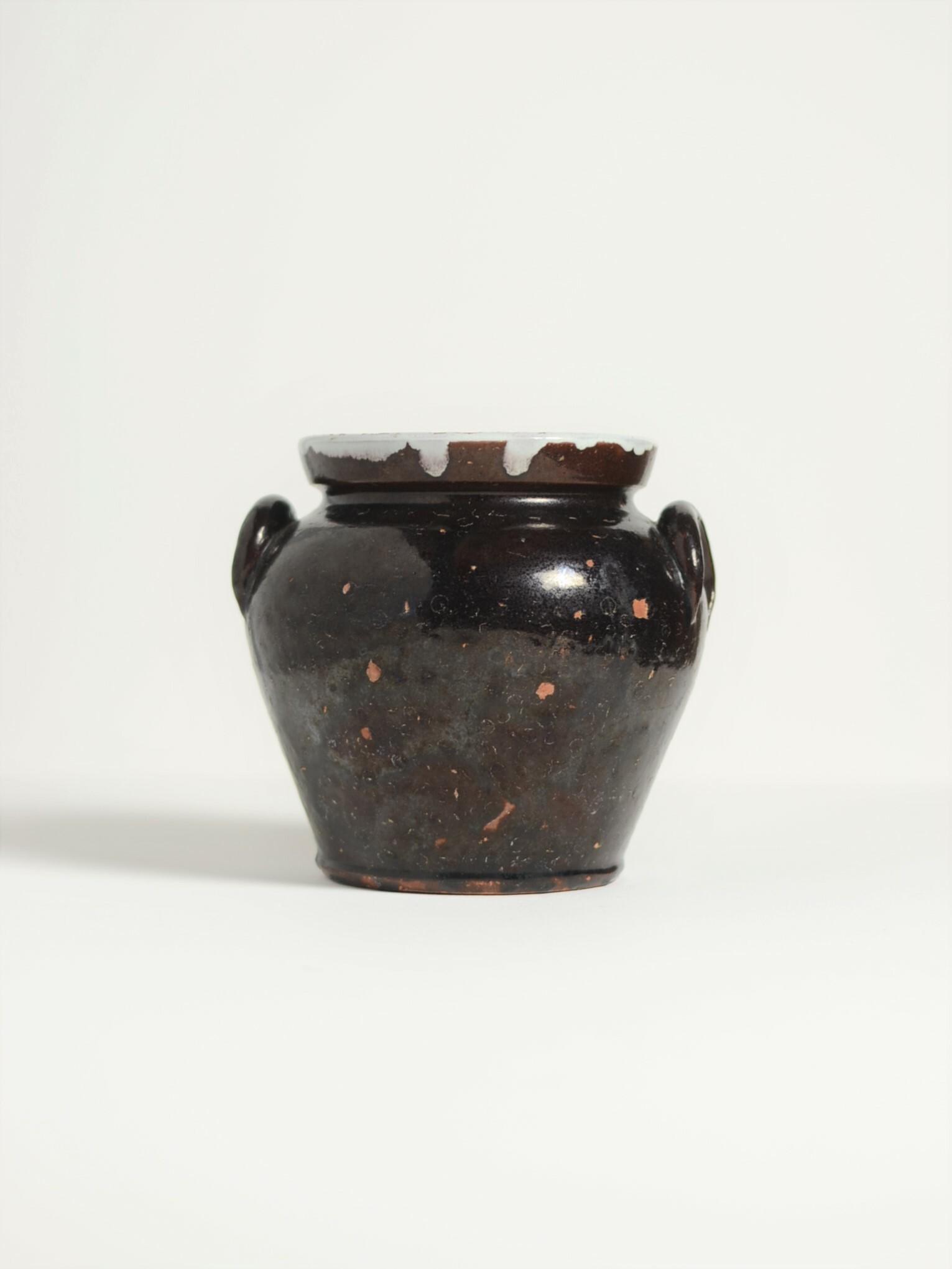 耳付き壺-eared pot