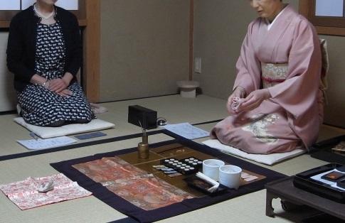 <会員>昼の部:香道への誘い・香りは癒し+年の瀬女子トーク<懐石弁当付き>
