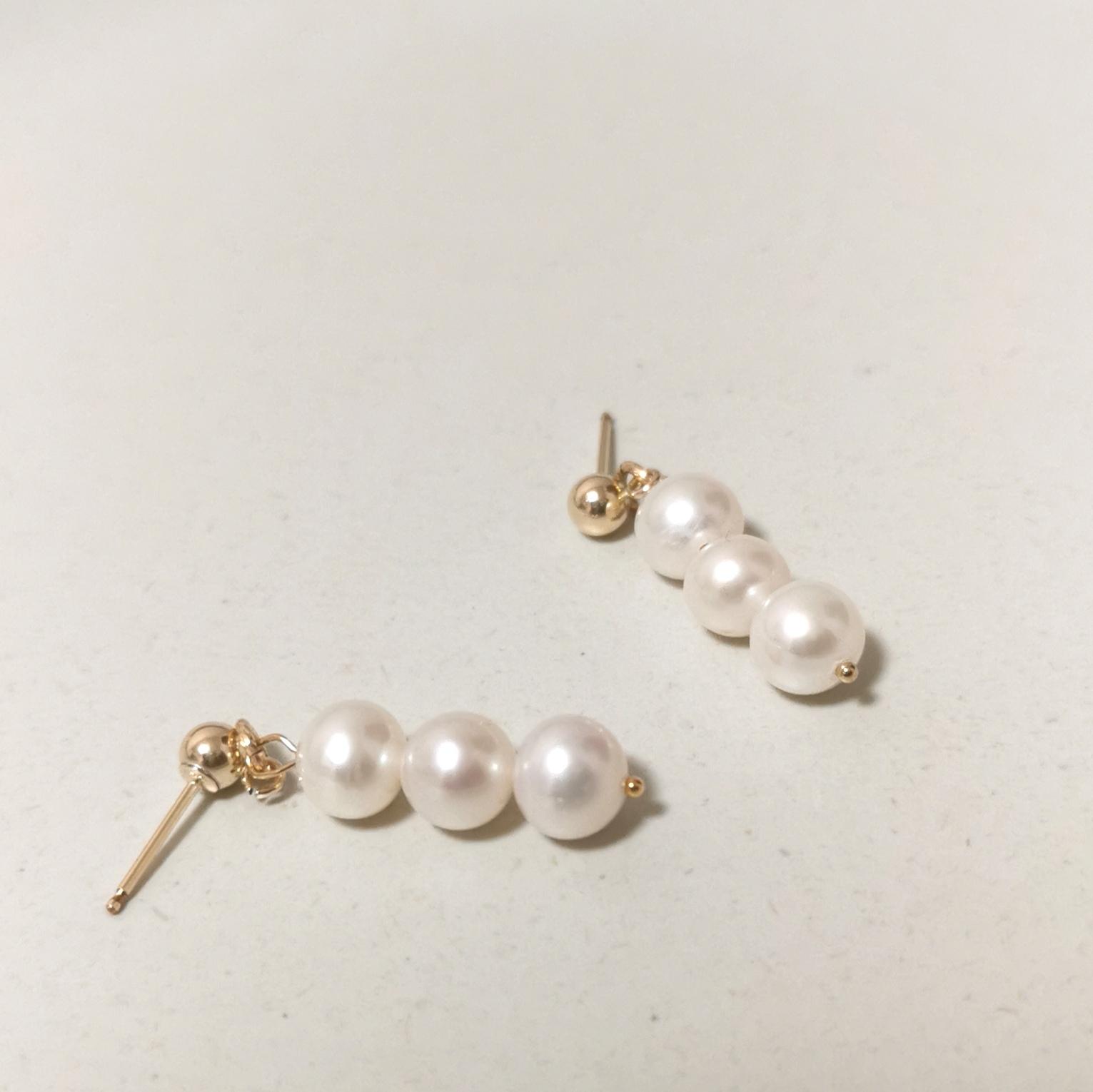 Freshwater pearl 14kgf earrings