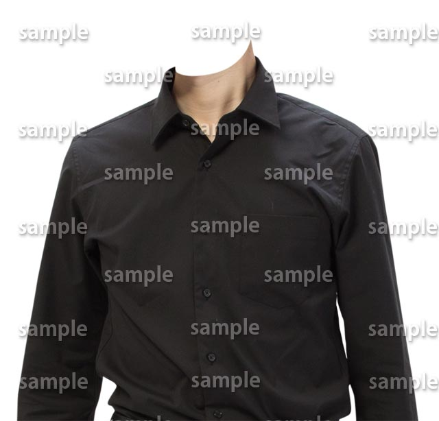 男性黒シャツ正面